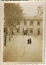 PHOTO ANCIENNE - VINTAGE SNAPSHOT - DÉCORATION COMMUNION ÉCOLE FÊTE -SCHOOL 1935