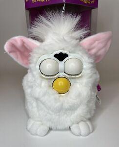 Vintage 1998 Furby Tiger Electronics Model 70-800 White w/ Brown Eyes with Box