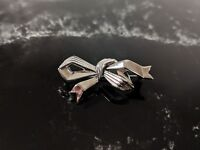 Small Lovely Vintage Retro Silver Tone Trifari  Bow Brooch Signed Jewellery