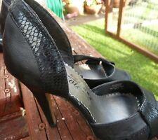 Ladies shoes,black size 3