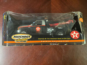 1999 Ford Super Duty Holmes Wrecker Texaco by Matchbox 1/24 Damaged outer box