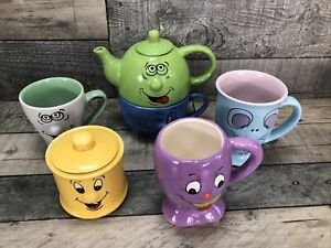 Trade Winds Tableware Teapot and Sugar Pot plus Novelty Smiley Face Mugs