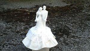 "PORCELAIN CERAMIC WHITE BRIDE GROOM WEDDING CAKE TOPPER IVORY SATIN BOWS  7"" TAL"