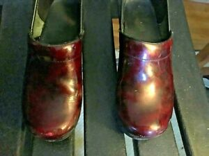 Dansko Professional Clogs Maroon Red Patent Leather Eur 39  US 8.5 Bag NICE!