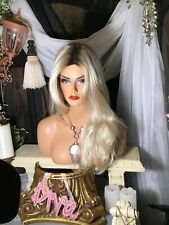 NÉW, GORGEOUS, NATURAL, LONG,  ROOTED BLONDE, HEAT FRIENDLY, DESIGNER WIG!