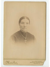 Cab Card Photo Lady W/ Cross Necklace From Cincinnati, Oh, By Macke Graphic Back