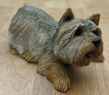 SANDICAST YORKSHIRE TERRIER, CROUCHING FIGURINE, MID SIZE M456