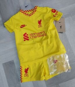 Liverpool FC  Baby Football Kit  Shirt and Short (12-18  MONTHS) 20/21-22 BNWT