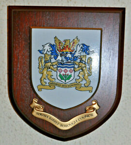 South Ribble Borough Council wall plaque shield crest coat of arms