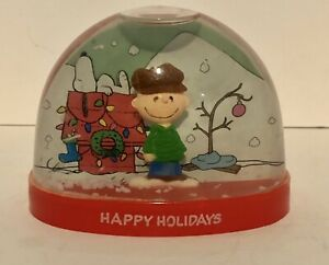 Peanuts Christmas Holiday Plastic Snow Globe - Charlie Brown & Snoopy