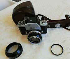 Fotocamera reflex a pellicola.Nikon F