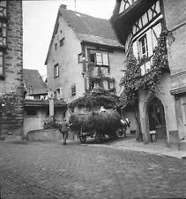RIQUEWIHR c. 1950 - Cheval Charette Place  Haut Rhin - Négatif 6x6 - N6 GE65