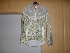 Ladies Nike Camo Hi Viz running jacket size Small.New with tags..£120