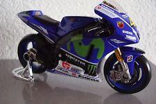 Neu - New MotoGP 2015 Valentino Rossi #46 Yamaha FACTORY RACING 1:18 Maisto