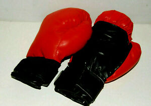 Boxing Gloves pair. Red / Black. Adult size. 10oz weight. Hook-Loop wrist straps