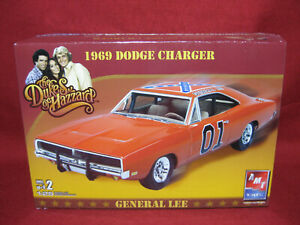 Dukes of Hazzard General Lee 1969 Dodge Charger AMT 1:25 Model Kit 38372