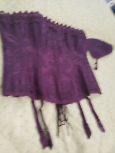 Frederick's of Hollywood Purple Corset size 38 And Matching G String NWT