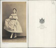 Ken, Paris, actrice en costume de paysanne  CDV vintage albumen Tirage albumin