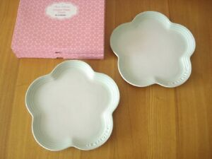 Very Rare !! Le Creuset Flower Plate 230mm Set Ice Green Color Unused Cute!!