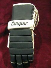 (1) Left-Hand Cooper Armadillo Thumb Hockey Glove - Black and White  Gd!