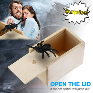 Spider Gift Box Fake Rubber Toy Halloween Party & April Fool's Day Scary Tricks