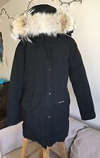 Canada Goose Womans Trillium Parka Size Medium M (Genuine Coyote Fur) Black