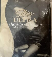 Silkies ULTRA SHAPELY PERFECTION Ivory Silky Sheer PANTYHOSE Size Medium