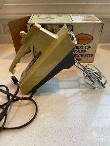 Vintage Sunbeam Burst Of Power Mixmaster Hand Mixer Harvest GOLD W/ Box WORKS