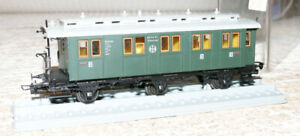 K26   Trix Int 3730 Personenwagen 2./ 3. Klasse DRG