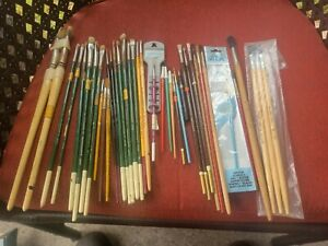 Vintage 39  Paint Brushes M.Grumbacher,Crayola, Robert simmons used