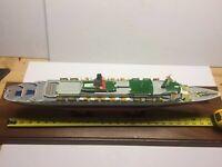 "WITH CUSTOM CASE Queen Elizabeth 2 Cunard Ocean Liner Cruise Ship Model 25.5"""