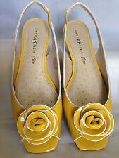 """Ann Klein iFlex """"Jamesina"""" Women's Flat Yellow Patent Dress Shoe (Size 8M)"""