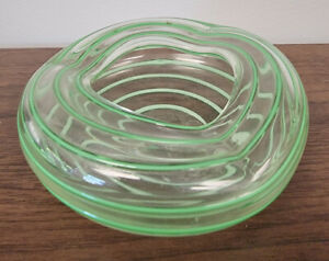 Gorgeous Vintage Hand Blown Glass Green And Clear Swirls Ashtray Bowl