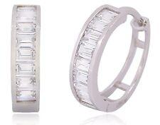 14k Oro Blanco Solido Aretes de Dama con 3 TCW Diamantes Simulados Elegantes