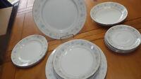 "Fine China of Japan English Garden Salad Plates 4 7.5"" round dessert plates"