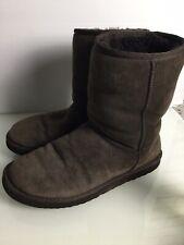 Genuine UGG Short Brown SheepSkin Boots. Size 7UK. VGC