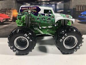 Monster Jam CUSTOM 20th ANNIVERSARY white Grave Digger green ghost Monster truck