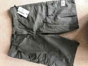 NWT Boys Khaki Cargo Billabong Shorts Age 16yrs