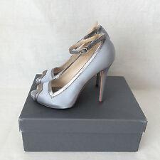 Alexander McQueen Silver Grey Silk Satin with Snakeskin Accent Heels. Size 38.5