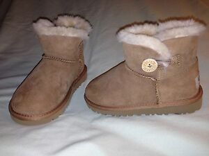 NEW UGG MINI BAILEY BUTTON BOOTS TODDLER 11 BROWN AUTHENTIC SO CUTE! NWOB