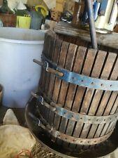 Torchio idraulico per vino