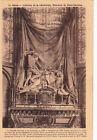 SENS 33 intérieur de la cathédrale massacre de saint-savinien