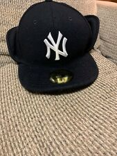 New Era 59Fifty New York Yankees Polar Fitted Hat Ear flap size 7 3/8 Brand new