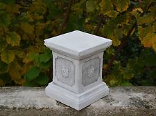 Massiver Sockel Podest Säule Statue Motiv Blumen Gartendeko Steinguss frostfest