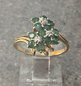 Vintage 14K Yellow Gold Genuine Emerald & Diamond Flower Cocktail Ring