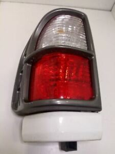 1998-2001 ISUZU RODEO DRIVER LEFT TAIL LIGHT OEM USED TESTED 4DR