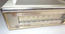 GE AM/FM radio in white T1205B Solid State works great