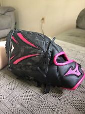 Mizuno  Girls Softball Glove 10 inch Mitt Black Pink