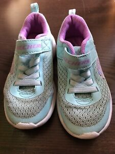 Sketchers Girls Tuquoise Trainers 9.5/27Eur