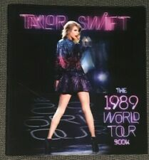 TAYLOR SWIFT THE 1989 WORLD TOUR BOOK WITH HOLOGRAPHIC COVERS (Front & Back)